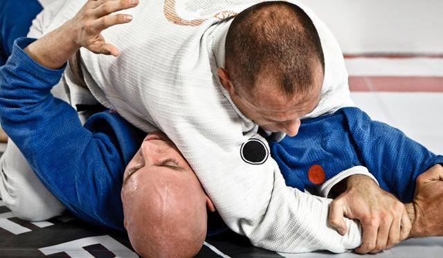 adult jiu jitsu classes at Devine Jiu Jitsu Saint Simons SSI   © 2017 Charlie Moore Training - www.charliemooretraining.com
