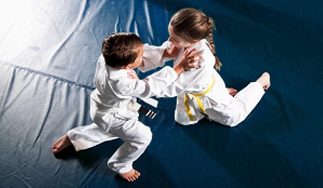 kids Brazilian Jiu Jitsu at Devine Jiu Jitsu Saint Simons - Welcome to Charlie Moore Training   © 2017 Charlie Moore Training - www.charliemooretraining.com