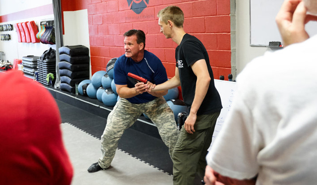 Charlie Moore teaching LEO contact and control tactics and strategies - Law Enforcement Training | © 2018 Charlie Moore Training - www.charliemooretraining.com