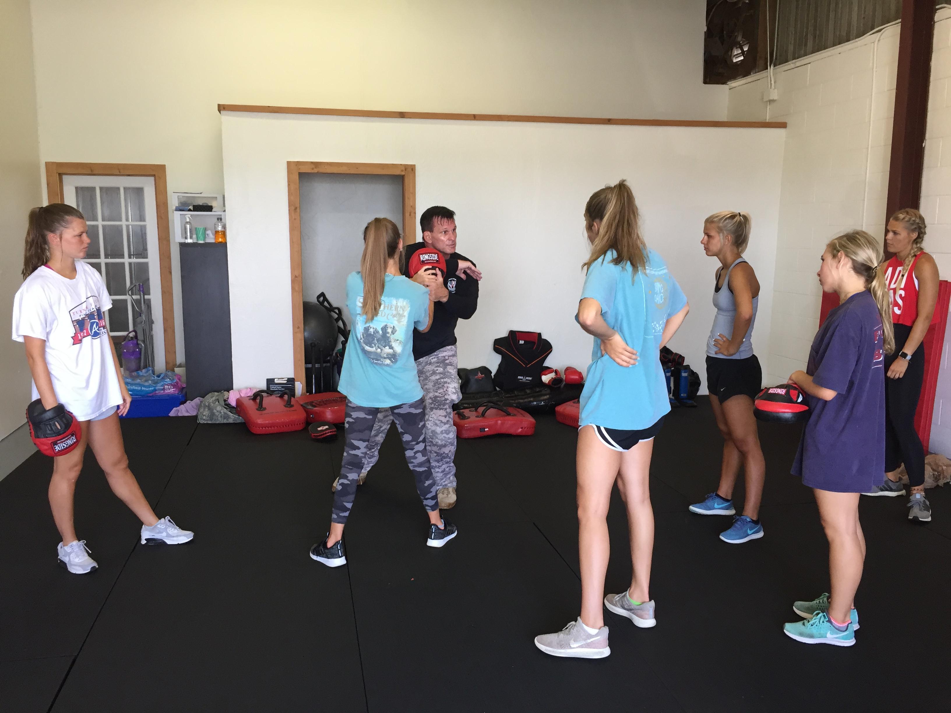 Women's 6 Week Self-Defense Course - Women's Self-Defense Series | ©2018 Charlie Moore Training - www.charliemooretraining.com